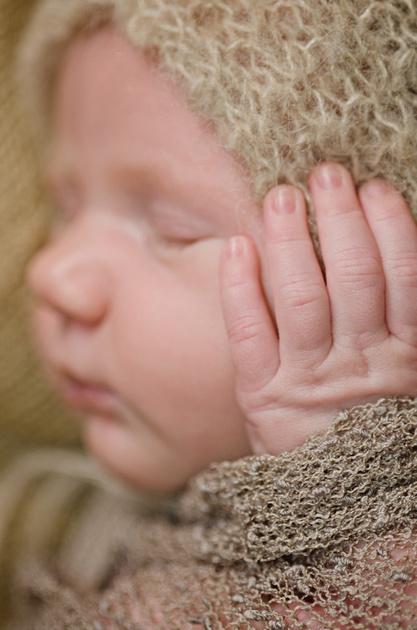 macro image of tiny newborn fingers